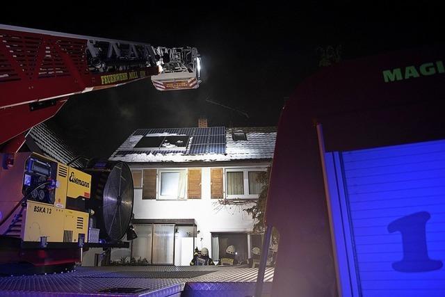 Rauch alarmiert Feuerwehr