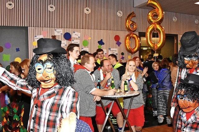 Nasenrümpfer-Hexen feiern rauschende Geburtstagsfete