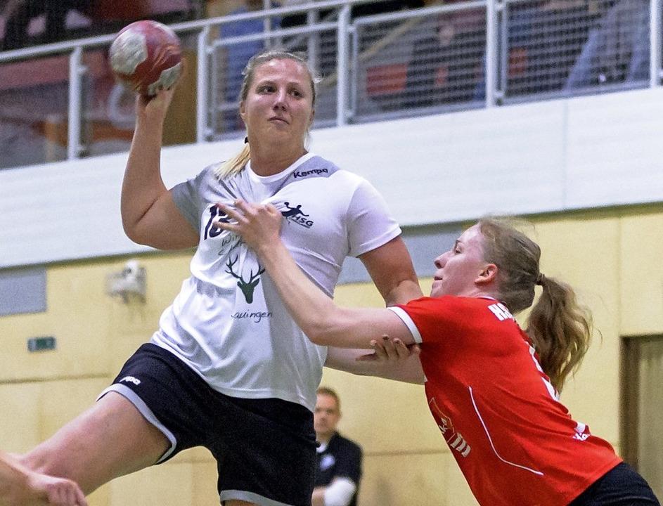 Eine von zehn Torschützinnen der HSG D...Jahres drei Treffer für ihr Team bei.   | Foto: archiv: Gerd Gründl