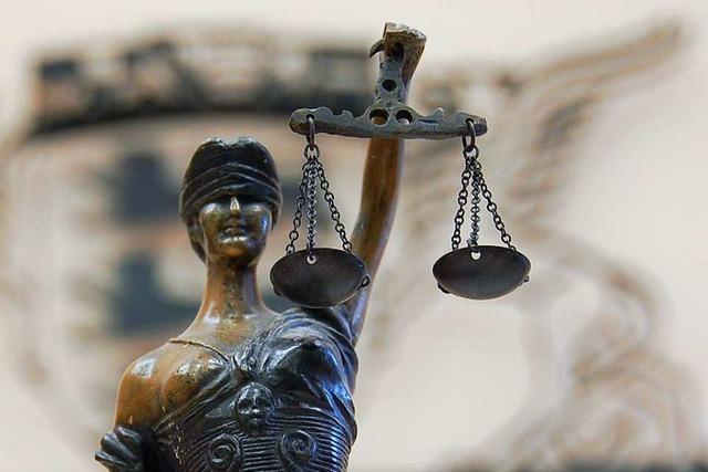 25-jähriger Mann wird für Attacken auf seine Ex-Freundin zu einer Gefängnisstrafe verurteilt