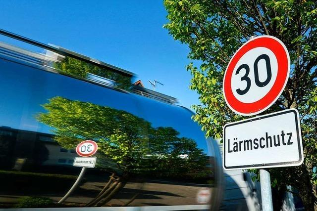 Halten sich Autofahrer ans Tempolimit auf der B31 in Falkensteig?