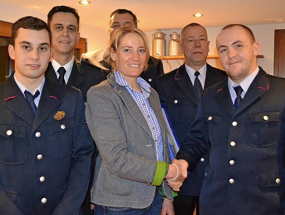 Kommandowechsel bei der Feuerwehr in F...immermann als neuer Kommandant im Ort.    Foto: Paul berger