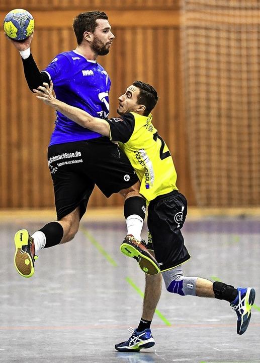 Ganz bitter: Yannick Cesar, hier vom T...päter eine schwere Knieverletzung zu.     Foto: Seeger