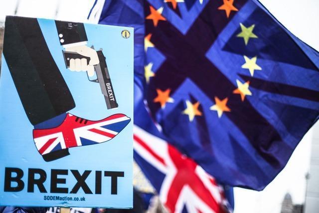 May gegen Brexit-Aufschub