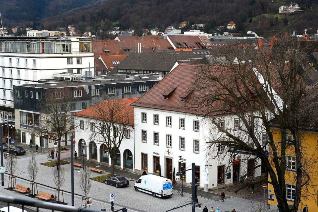 Das Rotteckhaus mit dem alten Verkehrs...zwischen Pläne für ein NS-Dokuzentrum.  | Foto: t. kunz