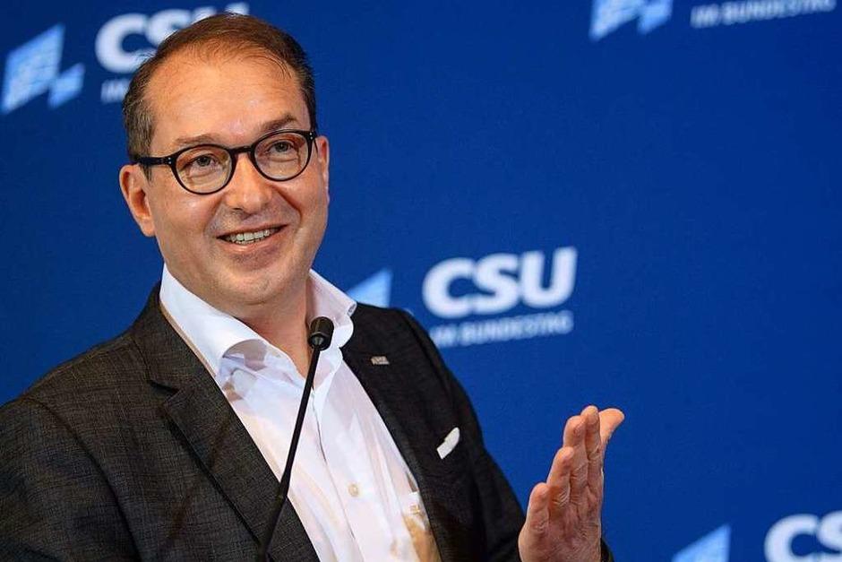 """2018 Anti-Abschiebe-Industrie: CSU-Landesgruppenchef Dobrindt hat das """"Unwort des Jahres"""" 2018 geprägt. Die Jury sieht nicht zuletzt durch diese Äußerung den politischen Diskurs nach rechts gerückt. (Foto: dpa)"""