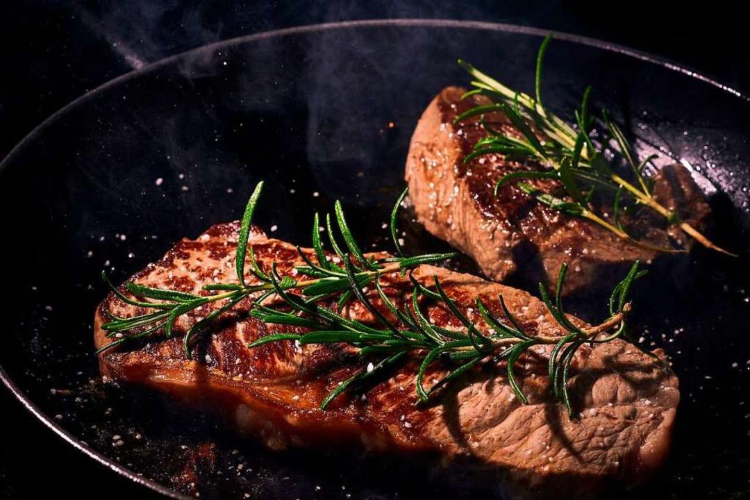 Ein auf den Punkt gebratenes Steak ist ein echter Genuss für Fleischliebhaber.  | Foto: Pixelbay