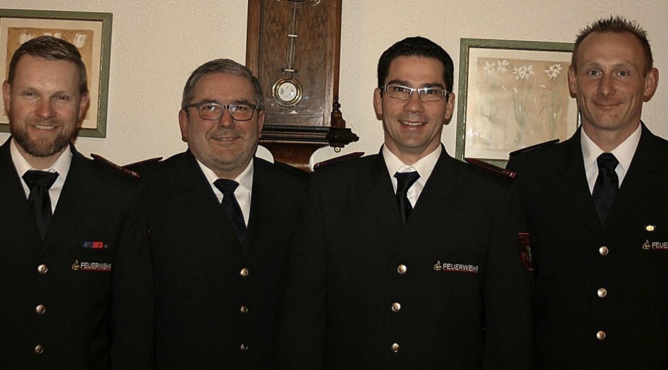 Kommandant Bernd Maier freute sich   ü...irk Moritz und Ralf Amann (von links)     Foto: Bode
