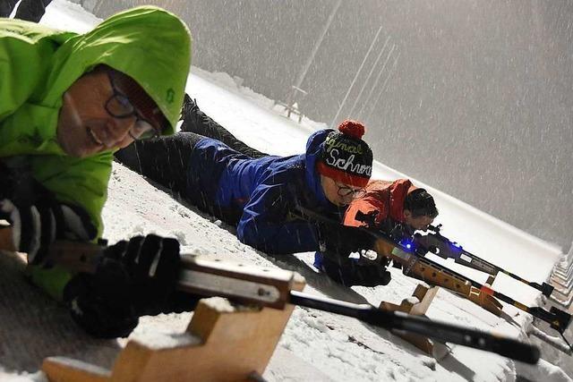 BZ-Leser versuchen sich im Biathlon in der Nordic-Arena Notschrei
