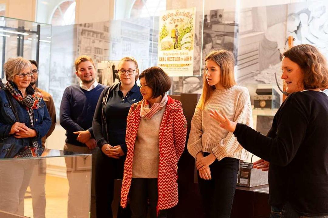 Museumspädagogin Silke Höllmüller bei einer Führung  | Foto: Stadt Lahr