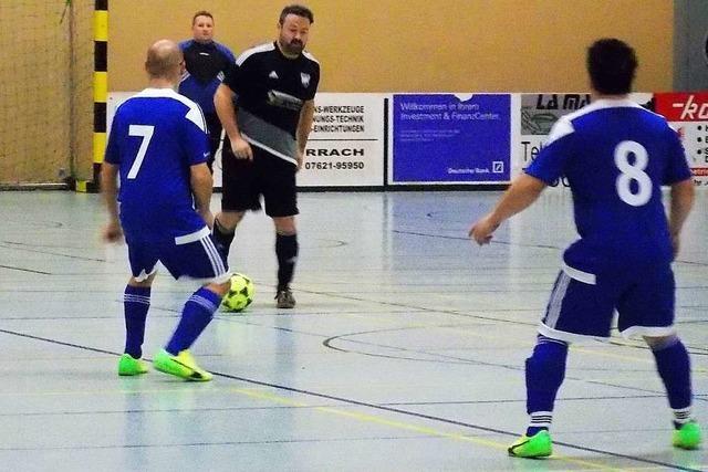 Alte Herren und junge Kicker kämpfen um Pokale