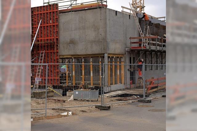 Bau der Brombacher Sporthalle im Kostenrahmen