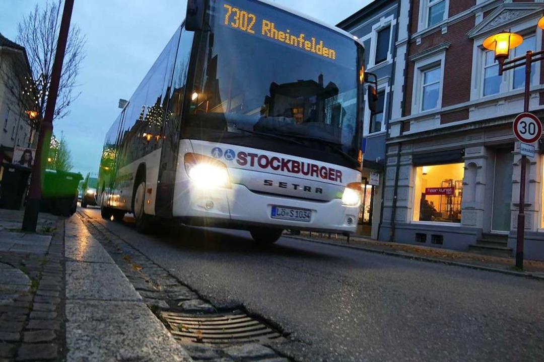 Bus in der Rheinfelder Friedrichstraße (Symbolbild)    Foto: Ralf H. Dorweiler