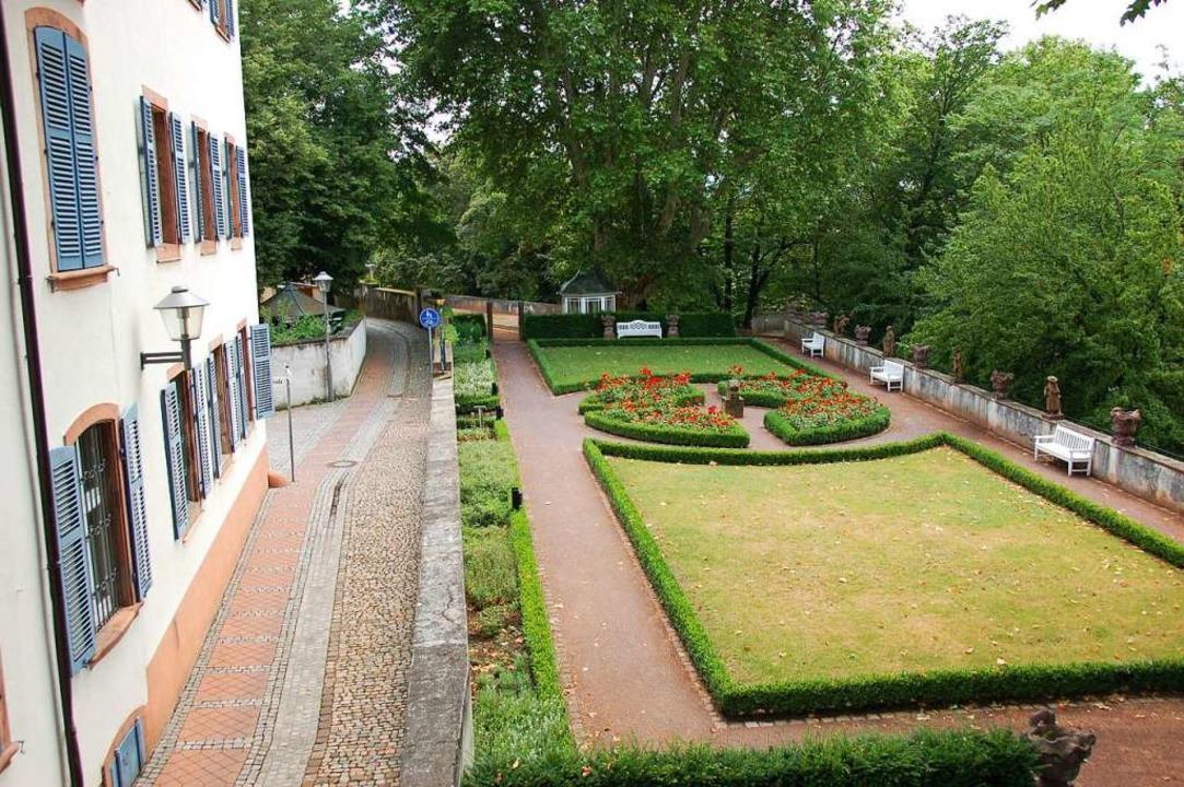 Der Vinzentiusgarten ist grünes Wohnzimmer und gute Stube der Stadt.  | Foto: Helmut Seller