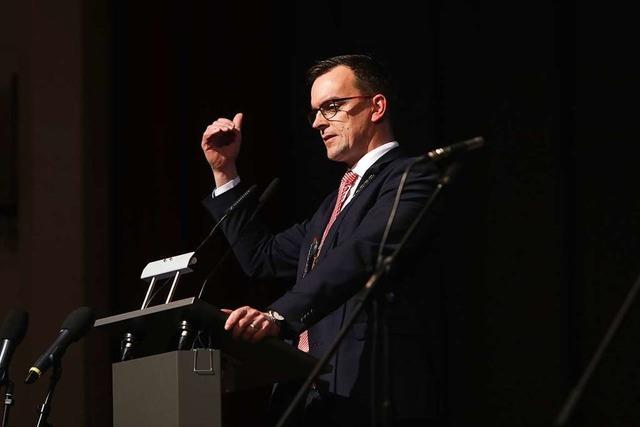 Bürgermeister Erik Weide warnt vor Verrohung