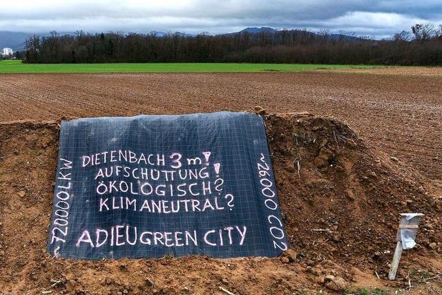 200 Interessierte kamen zur Auftaktveranstaltung der Dietenbach-Gegner