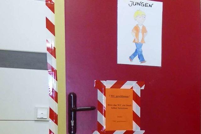 Eltern sauer: In der Jungentoilette der Hansjakobschule stinkt es nach Urin
