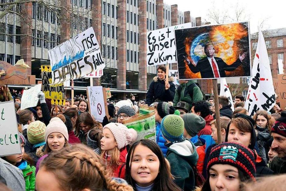 Schüler demonstrieren in Freiburg gegen Klimapolitik (Foto: Thomas Kunz)