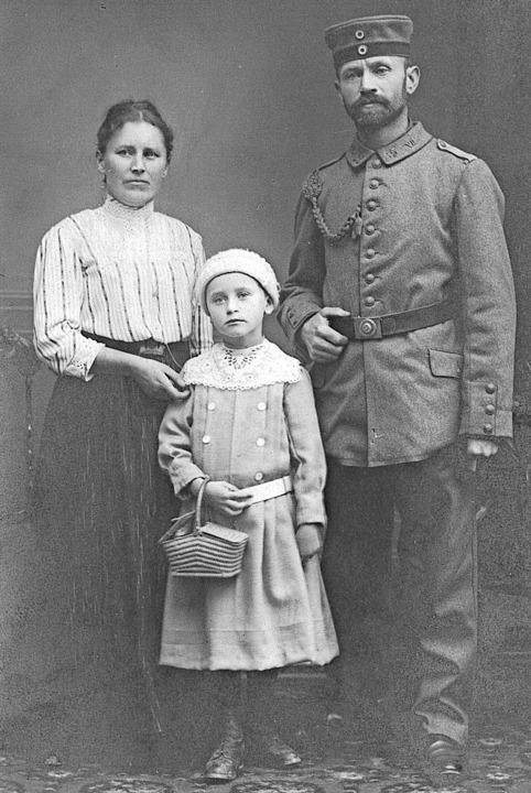 Die Fotografie zeigt den  Öflinger Zimmermann Alois Meier mit seiner Familie.   | Foto: Kulturamt Wehr
