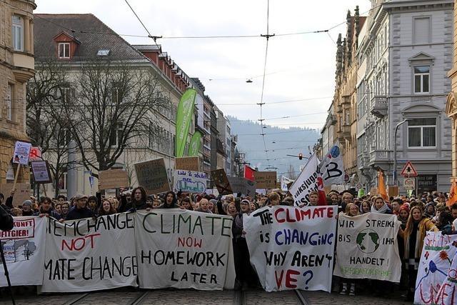 Mehr als 3500 Schüler demonstrieren für eine bessere Klimapolitik