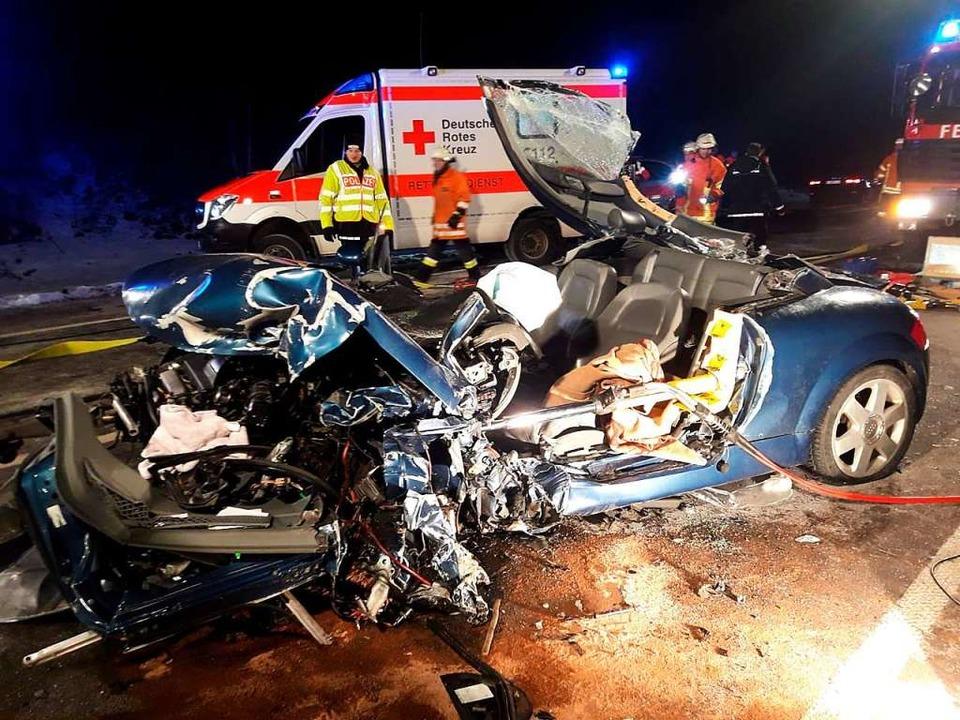 Eine Tote und zwei Schwerverletzte war...mmenstoßes auf der B31  bei Unadingen.  | Foto: kamera24