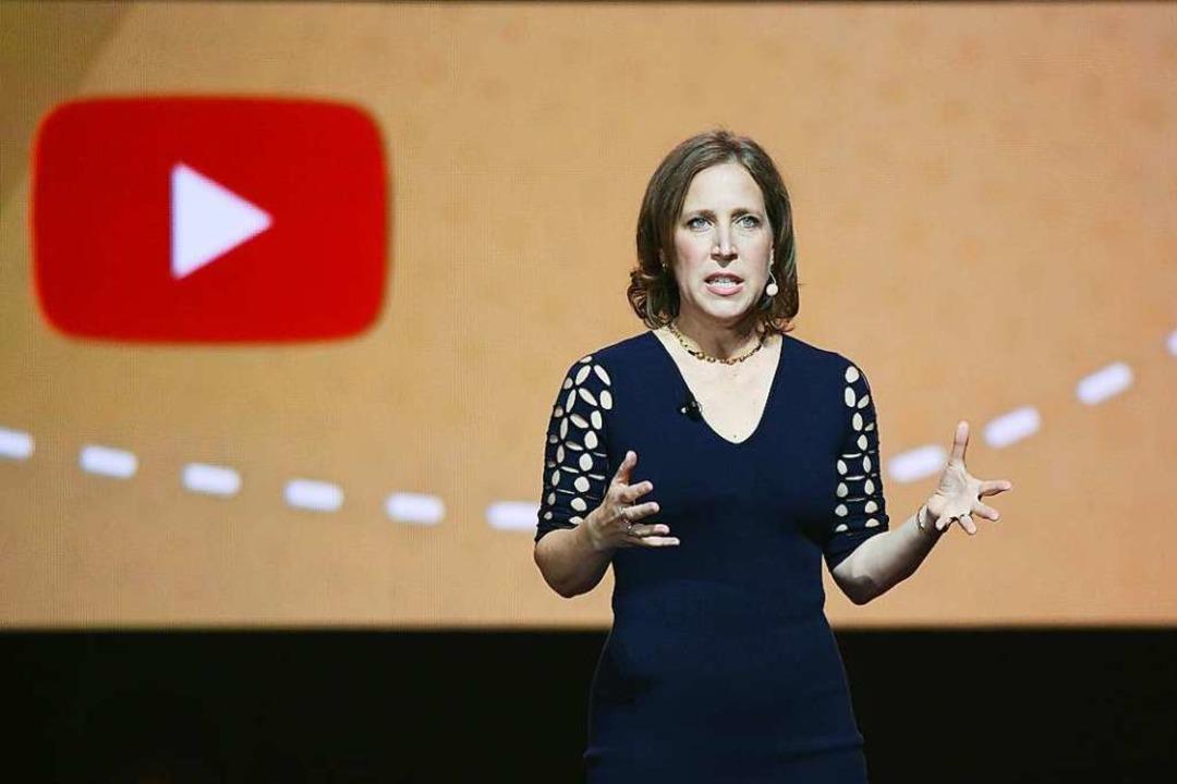 Sie will nicht für illegale Inhalte au...üssen: Youtube-Chefin  Susan Wojcicki.  | Foto: afp