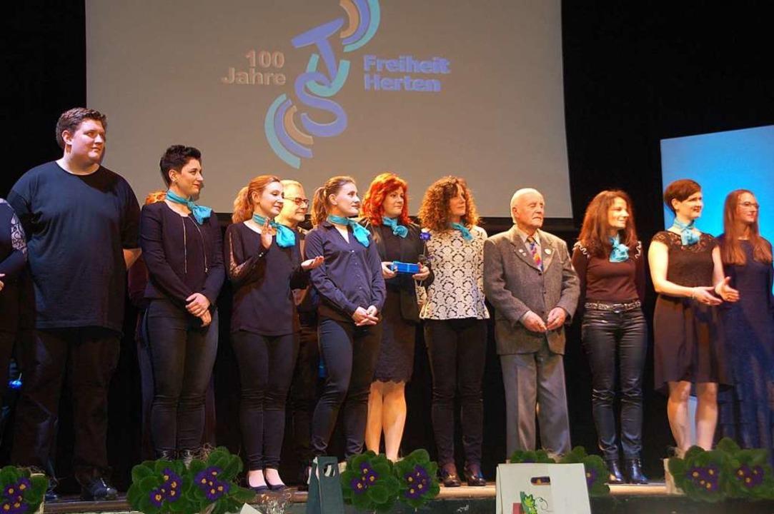 Verdiente Mitglieder wurden ausgezeichnet.  | Foto: Petra Wunderle