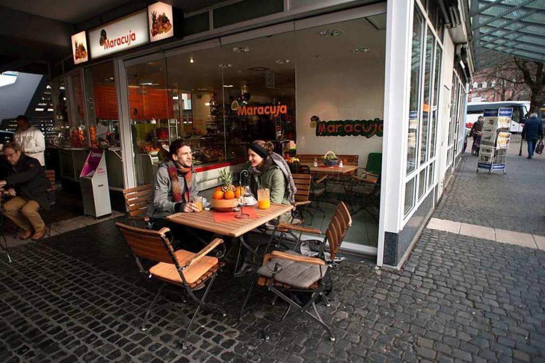 Für viele Bustouristen ist der Maracuj...er auch Büromenschen kommen gern her.   | Foto:  sel