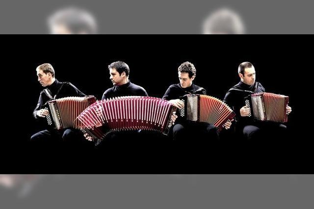Danças Ocultas aus Portugal geben unpugged Konzert