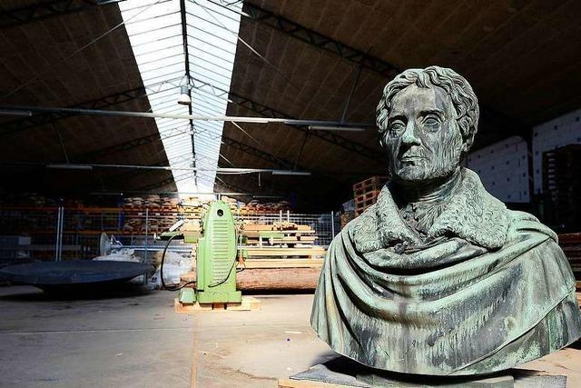 Rotteck-Büste bleibt bis 2025 in einem Depot der Universität