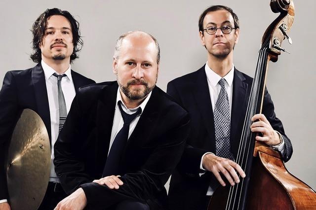 Christian Ludwig Mayer, Ludwig Leininger und Lorenz Hunziker Rutigliano treten als Auwald Trio am 25. Januar im Kornhauskeller in Frick/Schweiz auf.