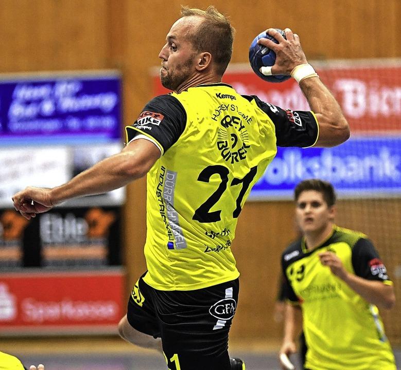 Besiegelte mit seinem Treffer kurz vor...okal: SG-Rückraumspieler Jozef Hantak     Foto: Archivfoto: Seeger