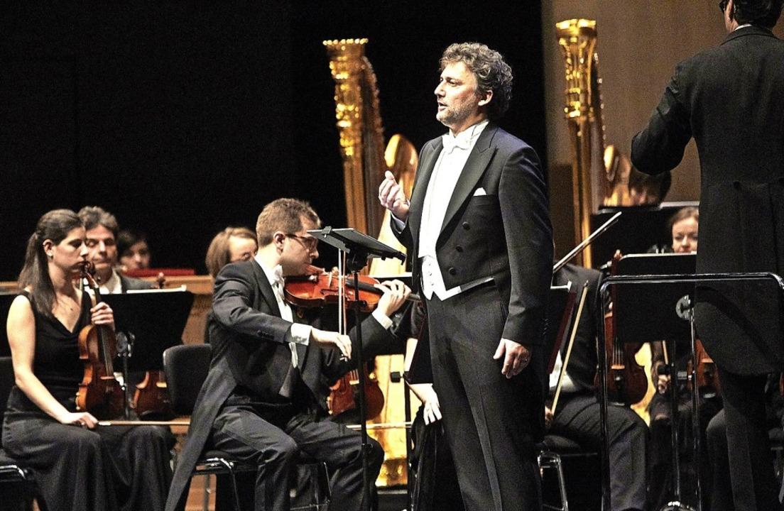 Jonas Kaufmann und das Sinfonieorchest...en Rieder im Festspielhaus Baden-Baden  | Foto: M. Bode