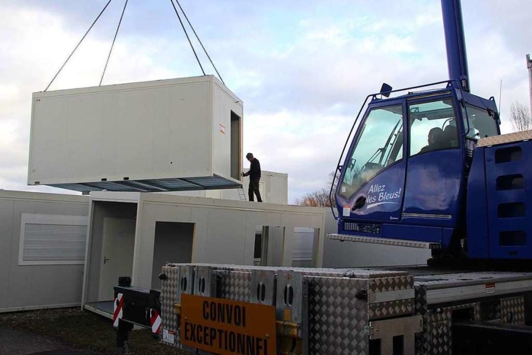 In Bötzingen werden die Container gera...nd sollen im Laufe der Woche weg sein.  | Foto: Horst David