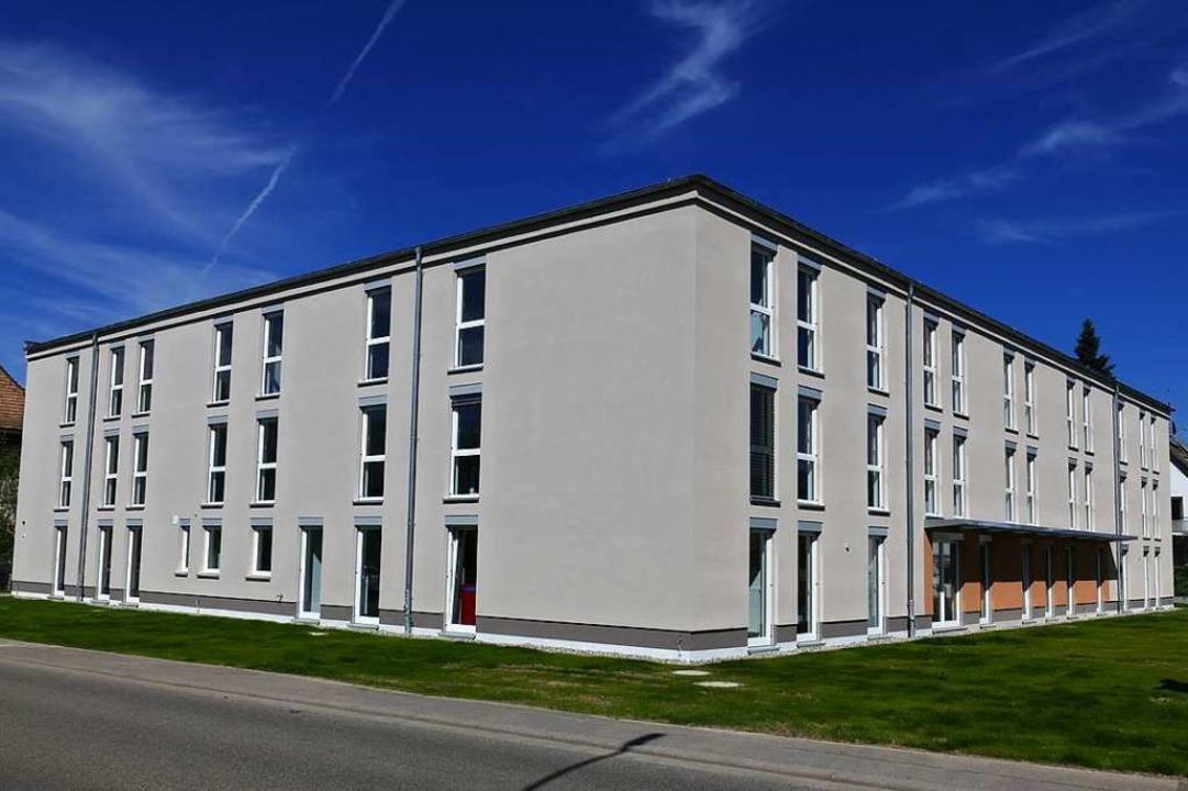 In Gundelfingen hat der Landkreis verg...in dem 113 Flüchtlinge   Platz finden.  | Foto: Max Schuler