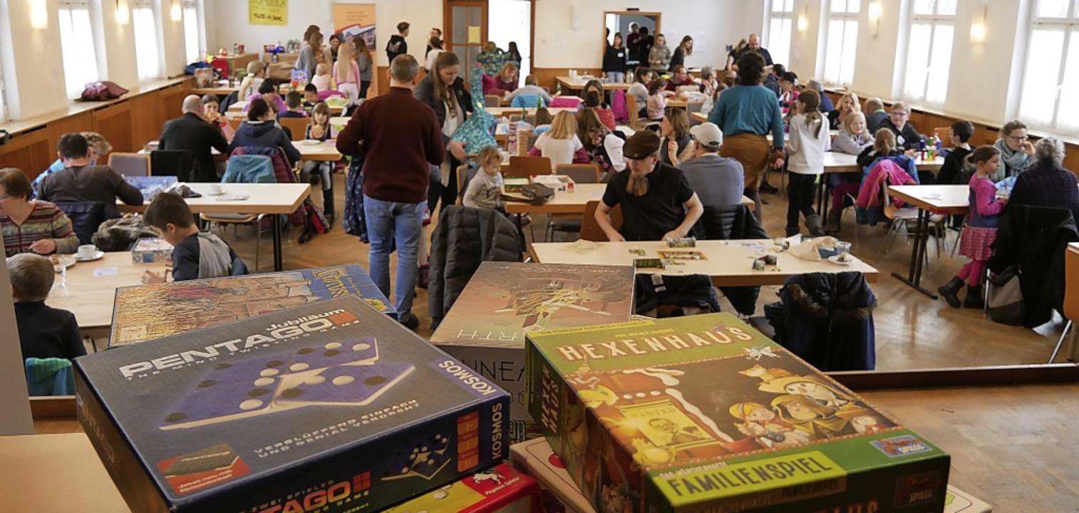 Groß war das Interesse am Spieletag de...hulklasse 8a im Thomasheim am Sonntag.  | Foto: Eva Korinth