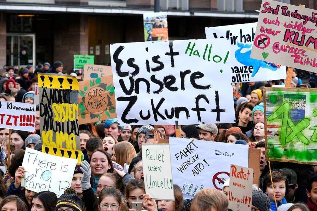 Am vergangenen Freitag gingen sie in F... Schülerinnen und Schüler nach Berlin.  | Foto: Thomas Kunz