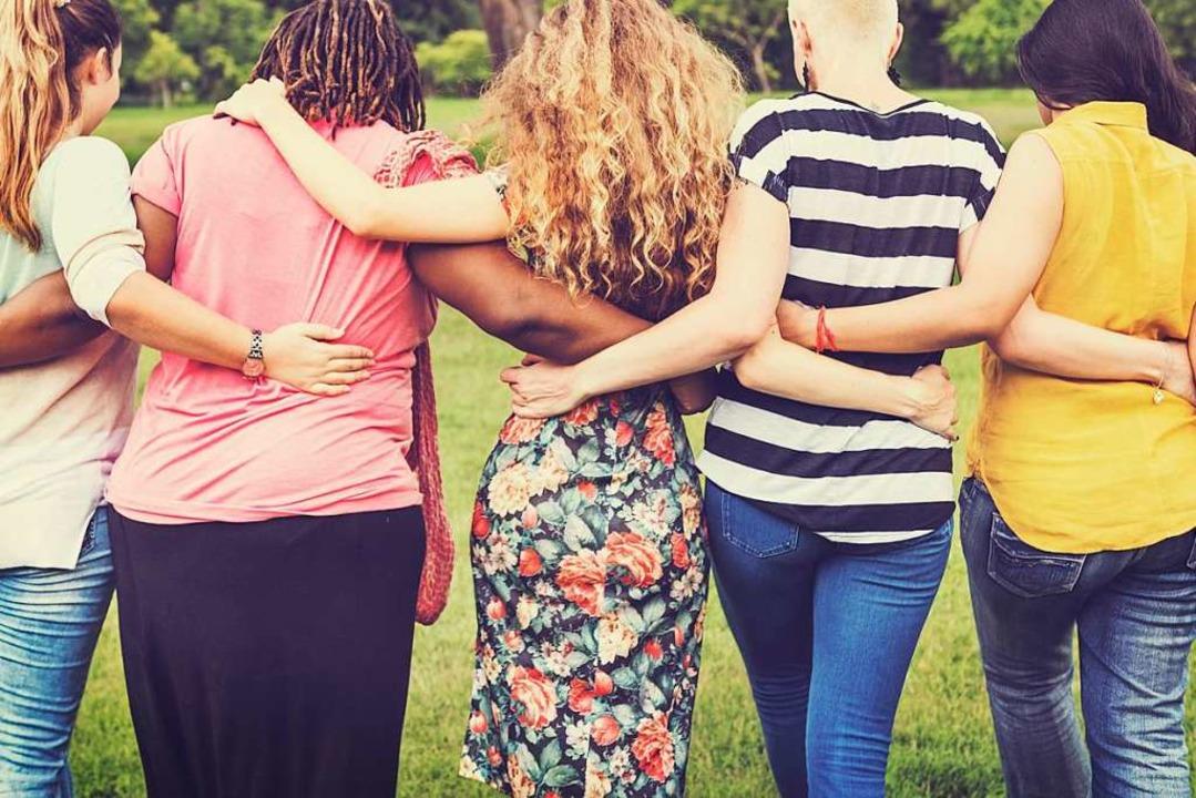 Am 8. März wollen Frauen weltweit in S...re Forderungen hinweisen (Symbolbild).  | Foto: Rawpixel.com (Adobe Stock)