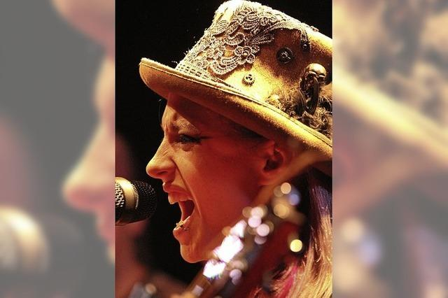 Cynthia Nikschas and Friends spielen unangepassten, ausgereiften Songwriter-Pop
