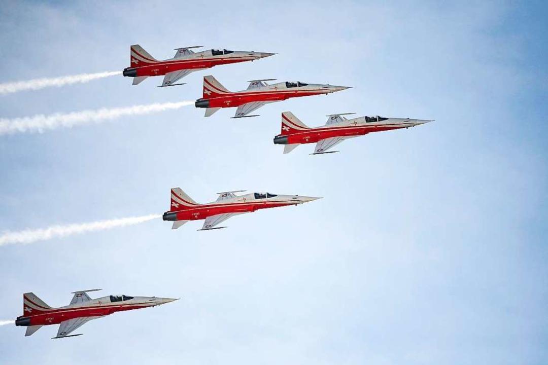 Beim Auftritt der Patrouille Suisse üb...ner Katastrophe gekommen. (Symbolfoto)  | Foto: AFP