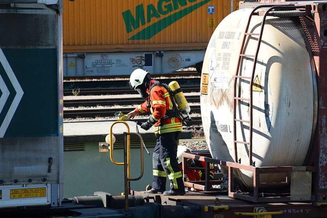 Im Rangierbahnhof Basel Badischer Bahn...us einem Kesselwagen aus (Archivbild).  | Foto: Hannes Lauber