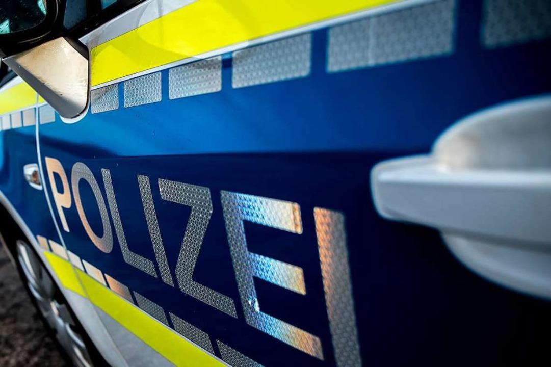 Nach einem Verkehrsunfall an der Berli...t die Polizei nach Zeugen. Symbolbild.    Foto: abr68 (Adobe Stock)