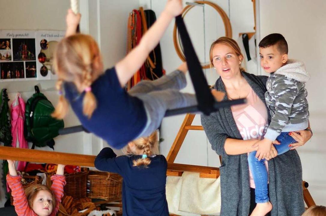 Lisa Benzus kann sich keinen schöneren Beruf vorstellen.  | Foto: Kathrin Blum