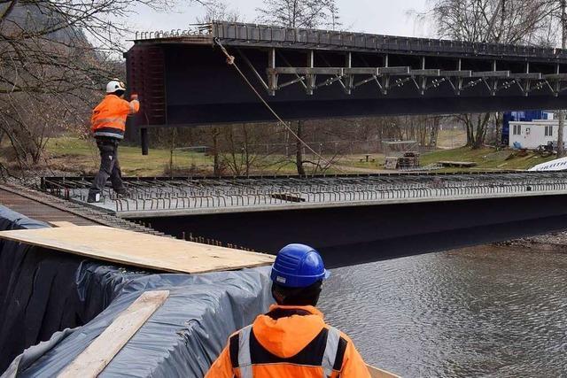 Die neue Wiesebrücke ist in Maulburg eingetroffen