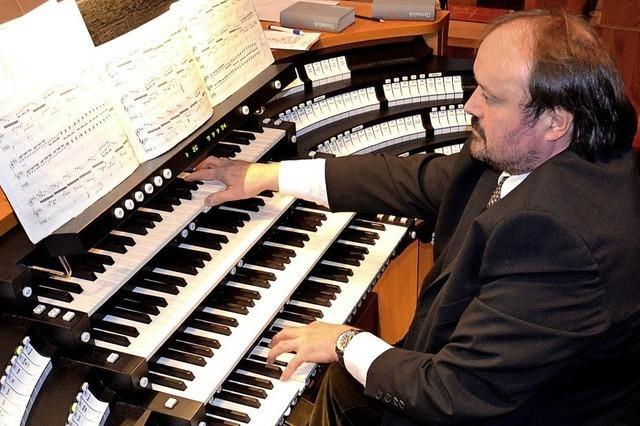 Cornelius Holdermann spielt Orgelwerke im Fridolinsmünster Bad Säckingen