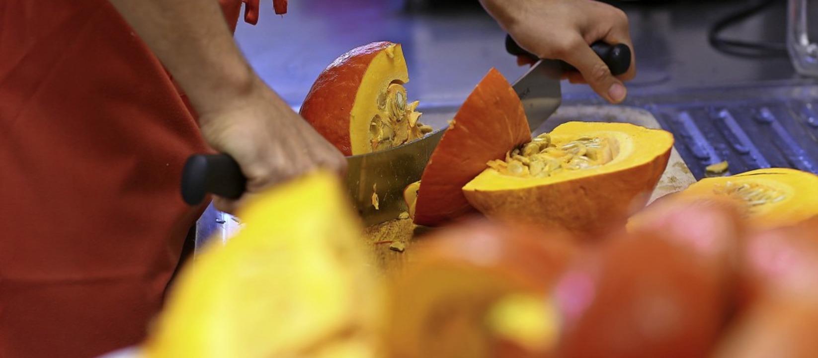 Gesundes Essen aus regionalen Produkte...n für die Kitas und Schulen wichtig.    | Foto: dpa