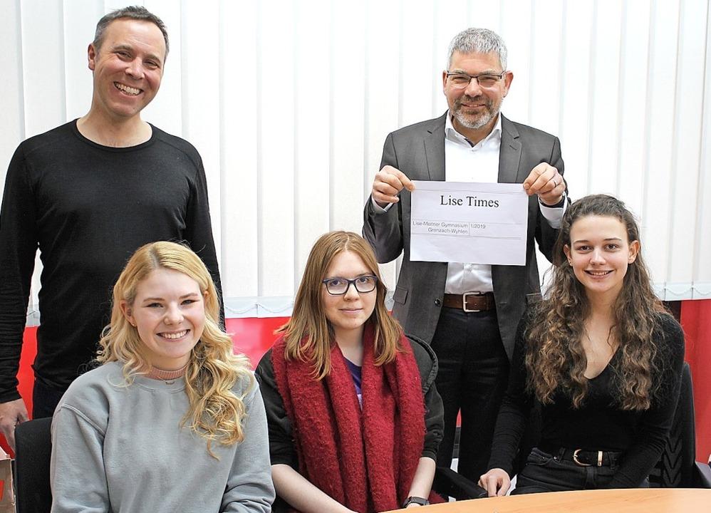 Ein Teil der Lise-Times:  Gregor Schme...ly Darda und Sarah Blümel (von links)   | Foto: Kaiser