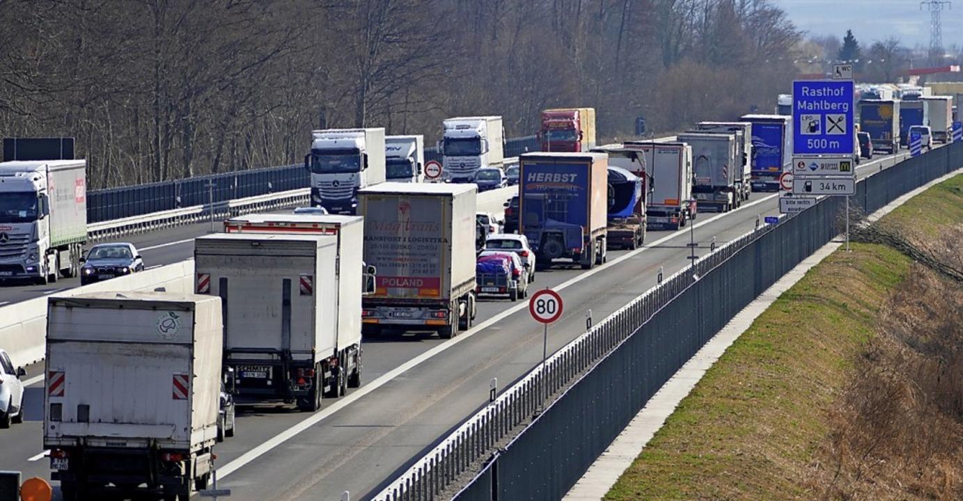 Mit Staus auf der A5 zwischen Offenbur...er  wohl auf absehbare Zeit  abfinden.  | Foto: valerie Schmidt