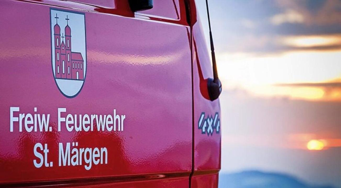 Titelbild: Feuerwehrauto mit Blick vom Thurner   | Foto: Felix Walter