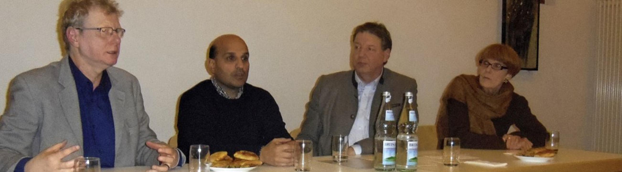 Die Referenten der Vortragsreihe bei d...usch und  Gudrun Schubert (von links)     Foto: Jennert
